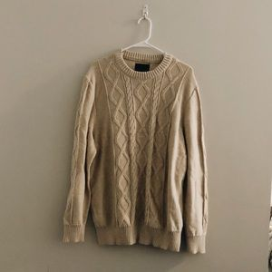 *DONATING SOON* american eagle sweater